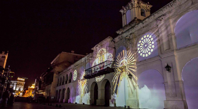 el mapping y una plaza especialmente iluminada en las mejores fotos