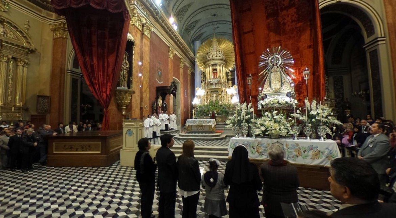 Entronización del Señor y la Virgen del Milagro. Foto: Federico Medaa