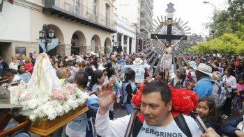 Peregrinos de Brealito llegando a la Catedral.