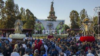 Frente a miles de fieles, Cargnello llamó a la reflexión. Foto: Pablo Yapura